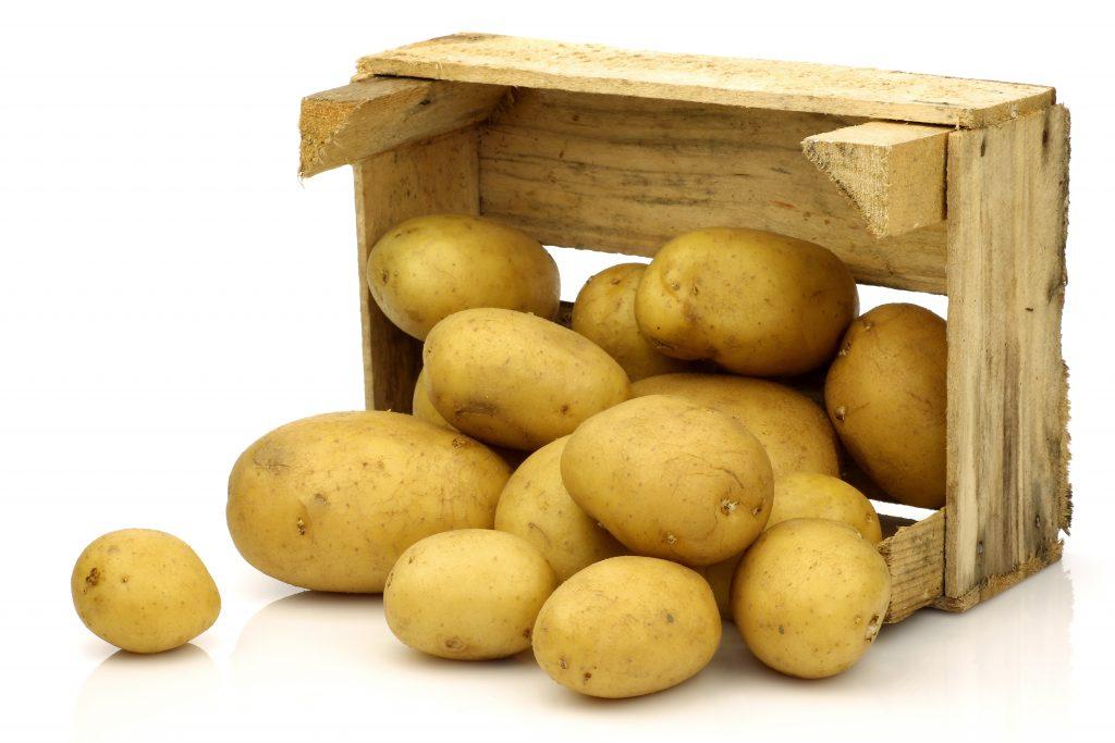 Хранение картофеля на лоджии зимой