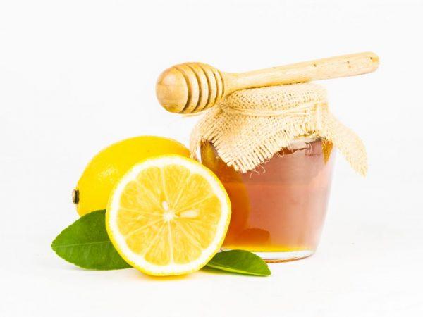 Лимон с мёдом сбивает повышенное давление