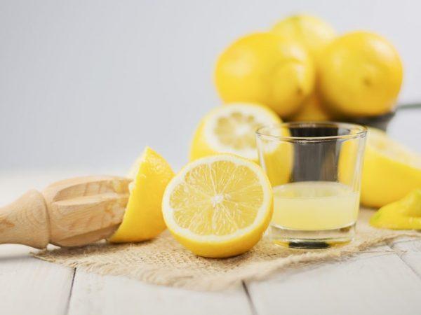 Лимонная вода поможет сбросить лишний вес