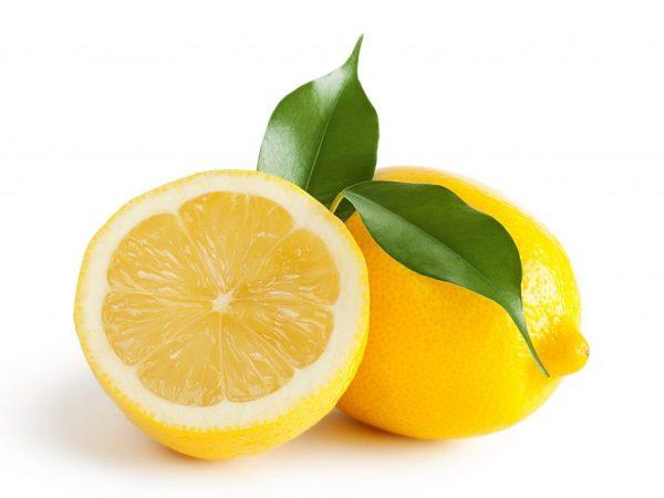 Лимон в рационе кормящей мамы и малыша