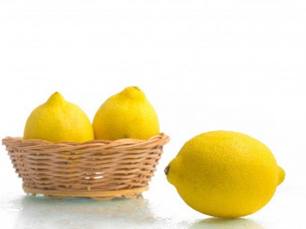 При проблемах с ЖКТ лимоны есть нельзя