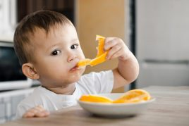 Введение апельсина в рацион ребенка