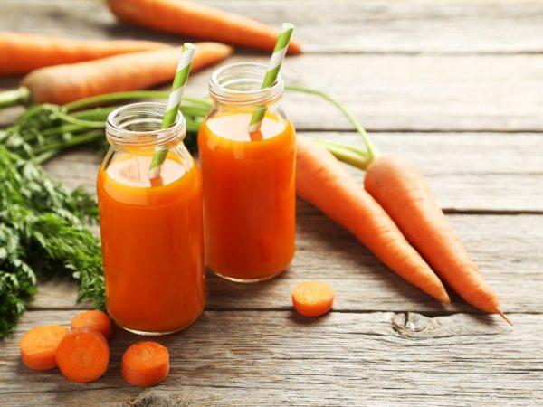 Морковный сок очень полезен