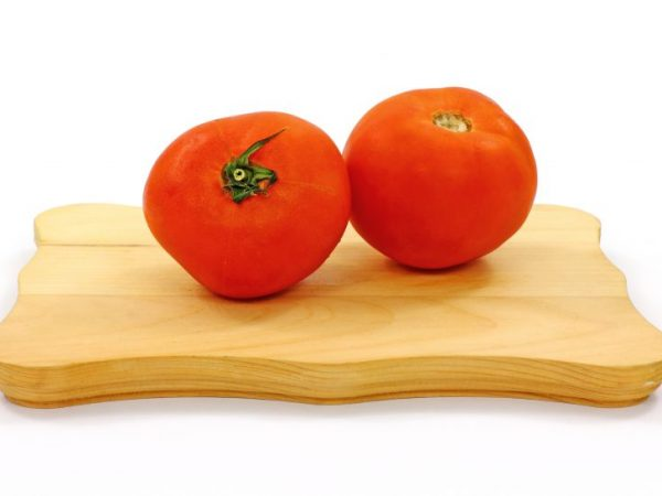 Кожу с томатов снимать легко