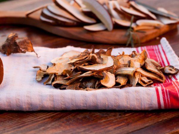Сушить грибы на воздухе нужно три дня