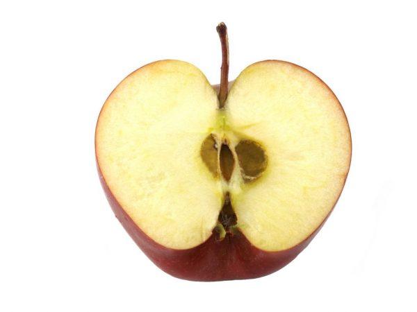 Вкусные и сочные яблоки