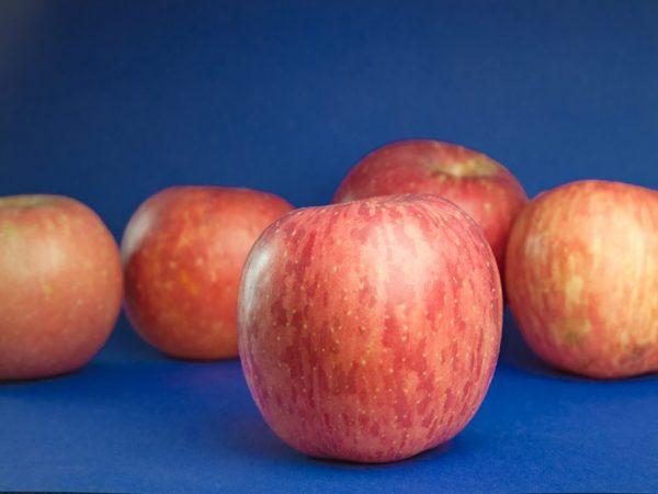 Ароматные и вкусные яблоки